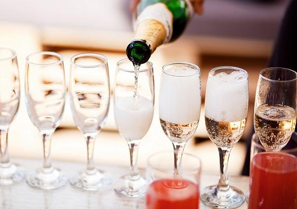 Champagne_resized.jpg